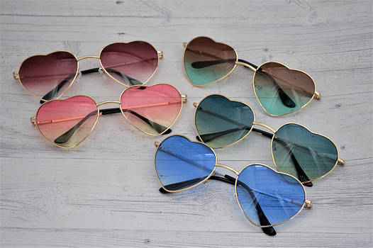 Очки солнцезащитные в форме сердца