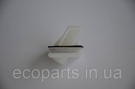 Кліпса бампера перед права Nissan Leaf, фото 2