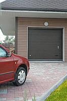 Ворота гаражные секционные Алютех Classic с торсионными пружинами.