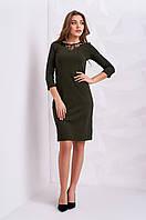 Стильное женское платье оливкового цвета