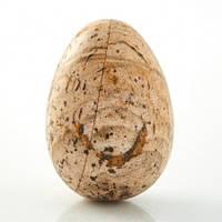Яйцо из натурального камня оникса и яшма