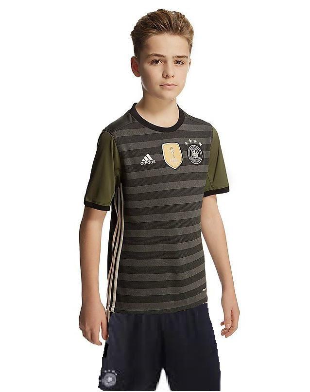 Детская футбольная форма  сборной Германии по футболу