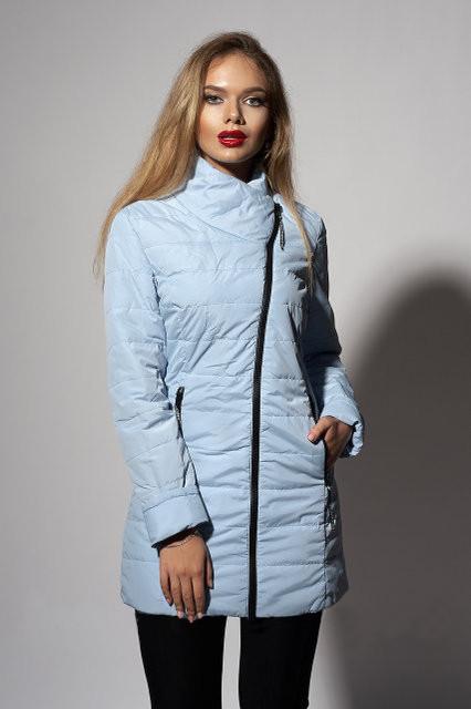 a180dbb9f700 Удлиненная женская демисезонная куртка на синтепоне светло-голубого цвета  ВЕСНА 2018