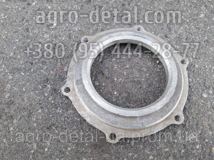 Корпус сальника Д30-1002332 двигателя Д144 трактора Т 40