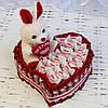 Сердце из конфет Рафаэлло Rafaello, Kit Kat и мягкой игрушкой