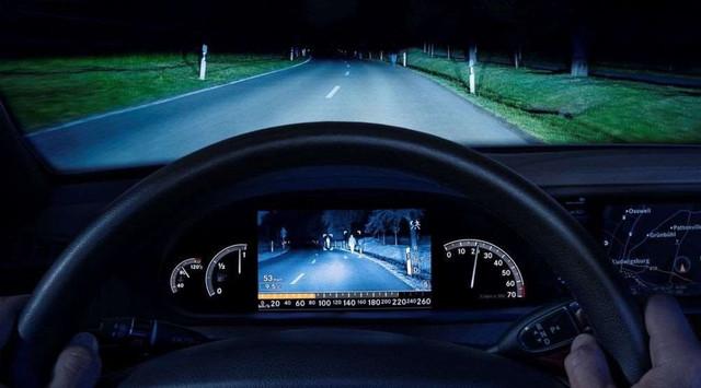 Световые приборы автомобиля