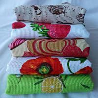 Практичное вафельное кухонное полотенце с ярким декором