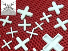 Сухие смеси и защитные средства для плиточных работ