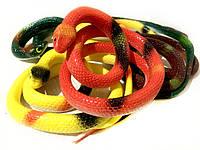 Силиконовая змея Разноцветная 65 см