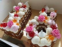 """Торт на День Рождения в стиле  """"18"""""""