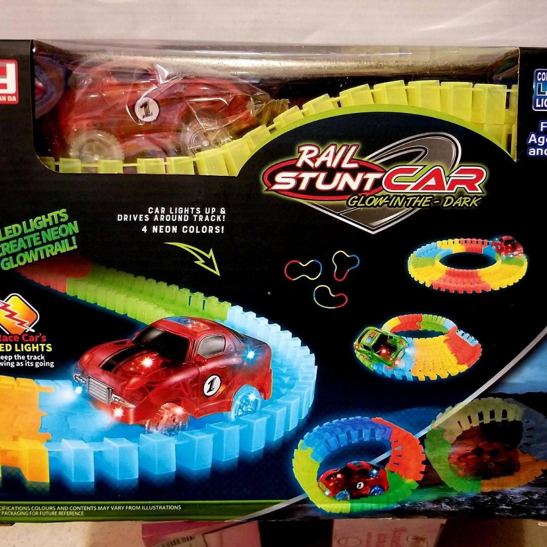 Детская игрушечная дорога - Magic Tracks – новинка 223 деталей, Светящаяся гибкая гоночная трасса 283  см