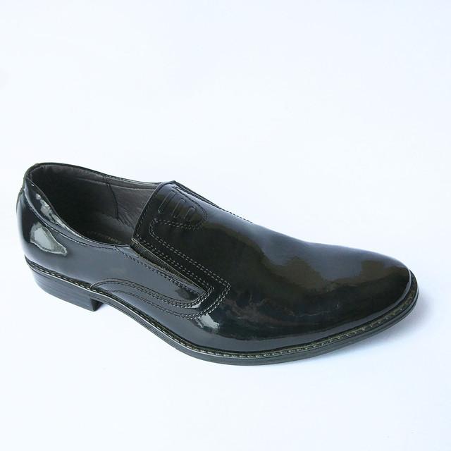 Мужская обувь украинских производителей классические туфли черного цвета под ложку лаковые