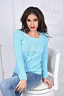 Вязаный стильный женский свитер с узором