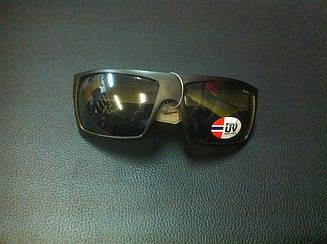 Сонцезахисні окуляри чорні