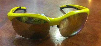 Спортивні сонцезахисні окуляри