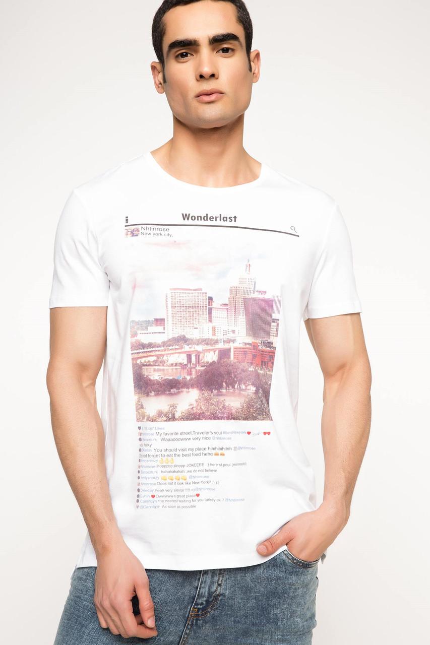 Белая мужская футболка De Facto / Де Факто с надписью и картинкой на груди