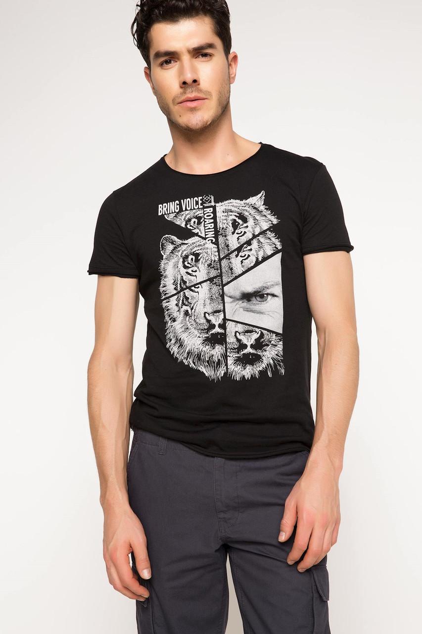 Черная мужская футболка De Facto / Де Факто с рисунком на груди