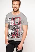 Серая мужская футболка De Facto / Де Факто с рисунком и надписью на груди, фото 1