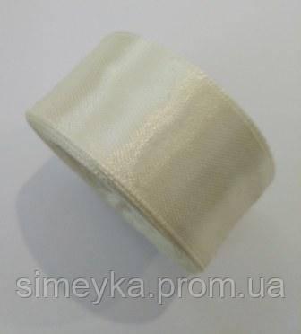 Лента атлас 2,5 см кремово-молочная