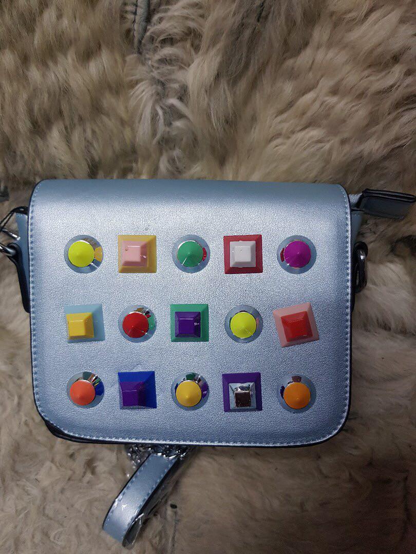 Женская маленькая сумка из кожзаменителя