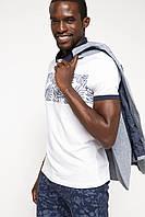 Мужское поло белое De Facto / Де Факто с синим узором на груди, фото 1
