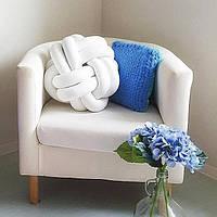Декоративная подушка узел, белая