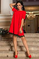 Нарядное платье украшенное контрастным кружевом