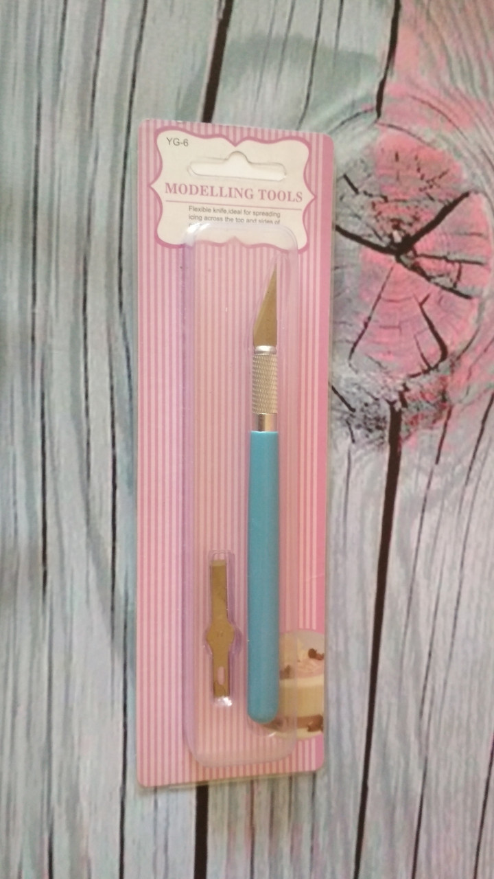 Нож-скальпель для мастики
