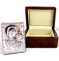Икона Казанская в деревянной шкатулке 9*7 см