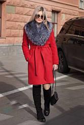 Женское  пальто из кашемира с шикарным меховым воротником