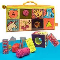 Развивающие мягкие кубики-сортеры Battat ABC (8кубиков,в сумочке)