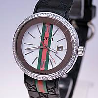 Женские наручные часы Gucci с календарем