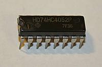 Микросхема HD74HC4052P  (DIP-16)