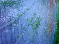 Тюль органза с зеленой вышивкой и ламбрекеном
