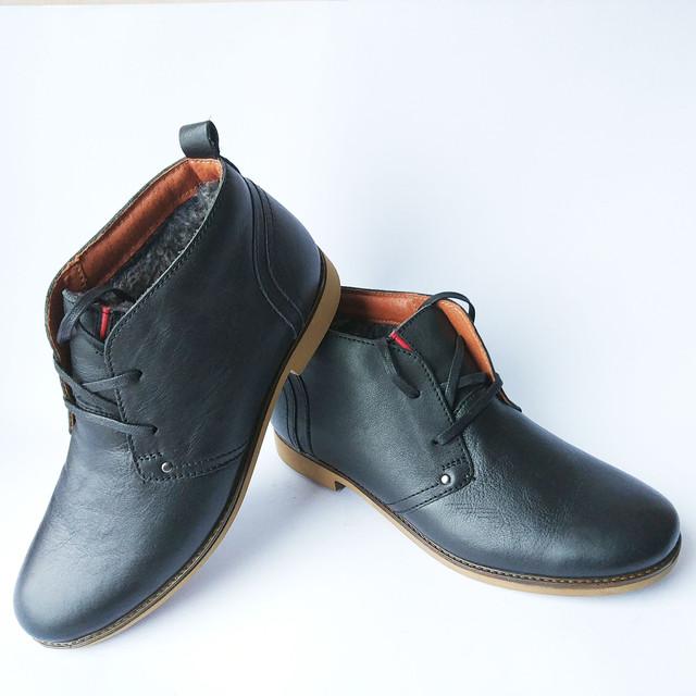 Кожаная, мужская, зимняя обувь от украинского производителя Safari Хмельницкий черные ботинки, на искусственном меху, на шнуровке
