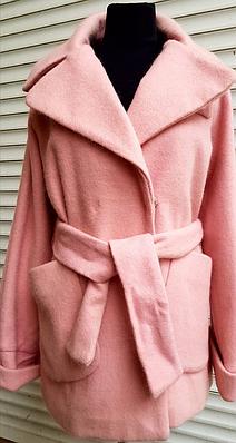 Пальто женское розовое с поясом M, L