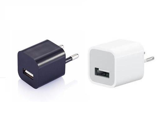 Сетевой адаптер в розетку на 1 USB порт.