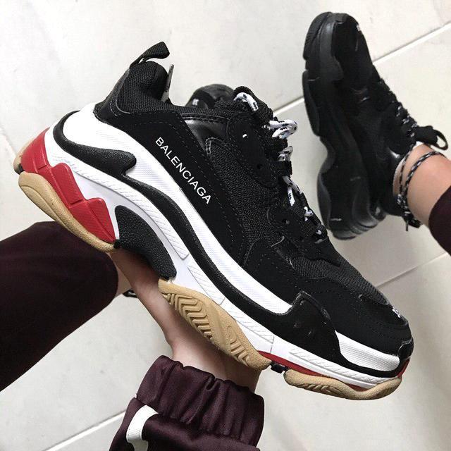 Женские и мужские кроссовки Balenciaga Triple S Black/White/Red