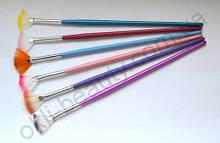 Веерная синтетическая кисть для дизайна ногтей цветная