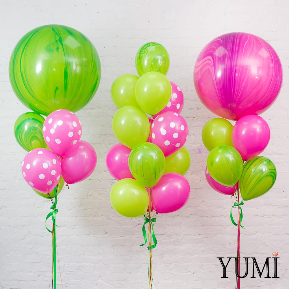 Оформление из мраморных воздушных шаров с гелием