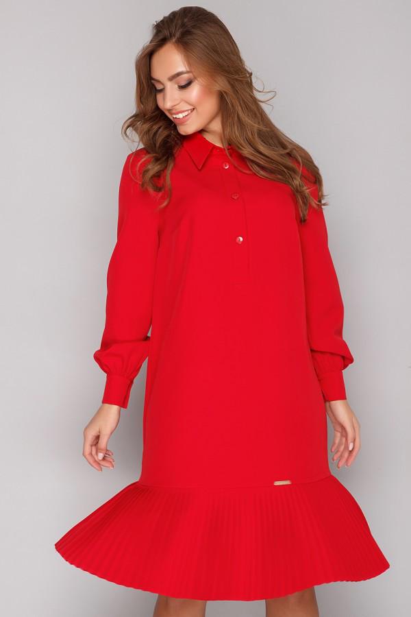 Модное красное платье с пояском