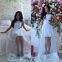 Стильное платье в пол из дайвинга украшенное гипюром