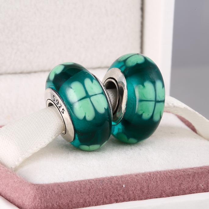 Шарм бусина Pandora Пандора Муранское стекло зеленый с четырехлистник