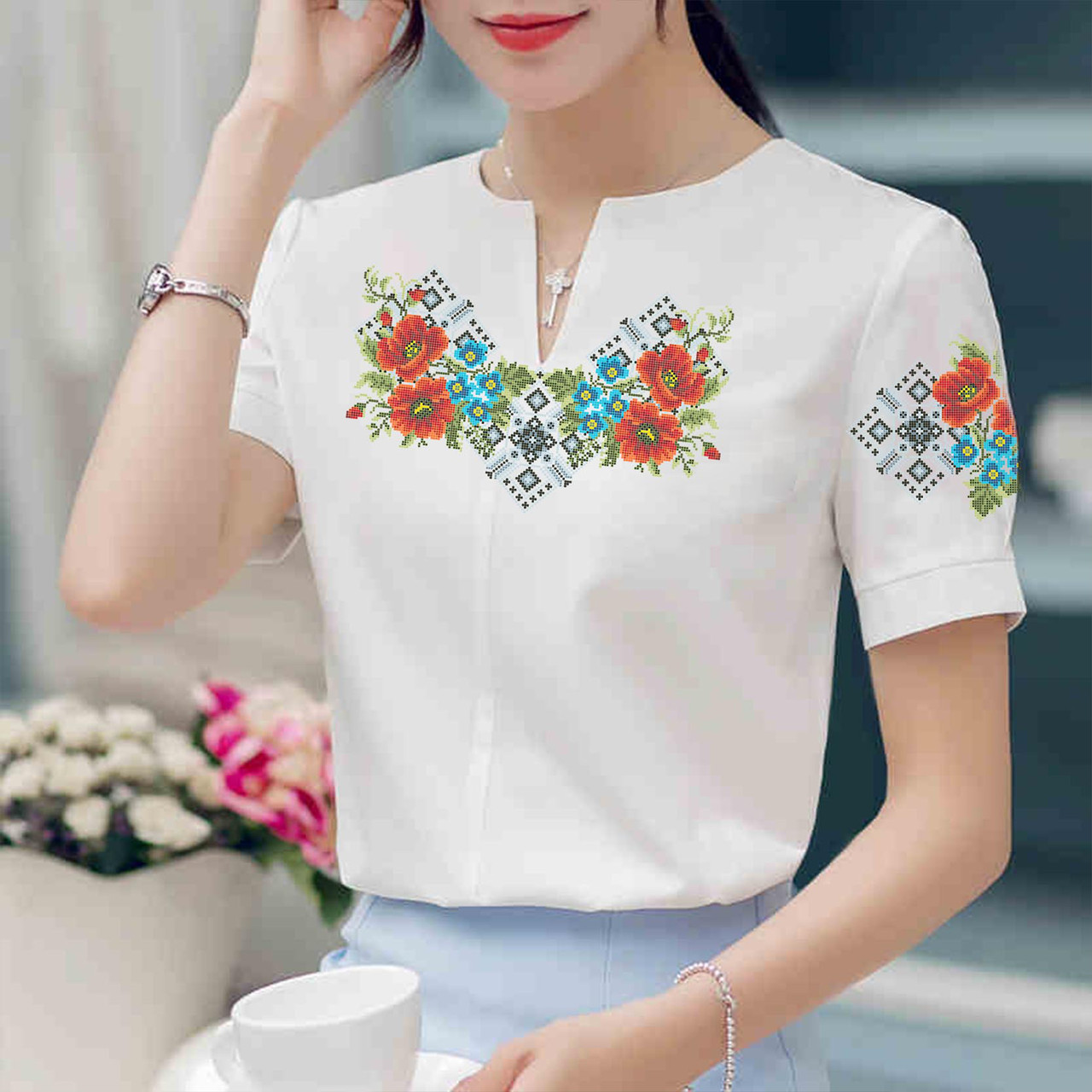 Заготовка вишиванки жіночої сорочки та блузи для вишивки бісером Бисерок  «Чарівні квіти» (Б-43 ) 8a0211b6ff953