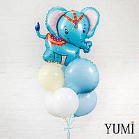 Композиция из шара Слоник голубой, 2 белых, 2 голубых, 1 шара айвори и 1 голубого круга