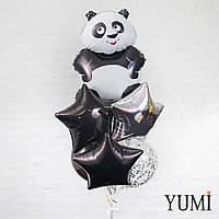 Композиция из шара Панда, 1 серебряной, 2 чёрных звезд, 1 чёрного и 2 шаров с серебряным конфетти