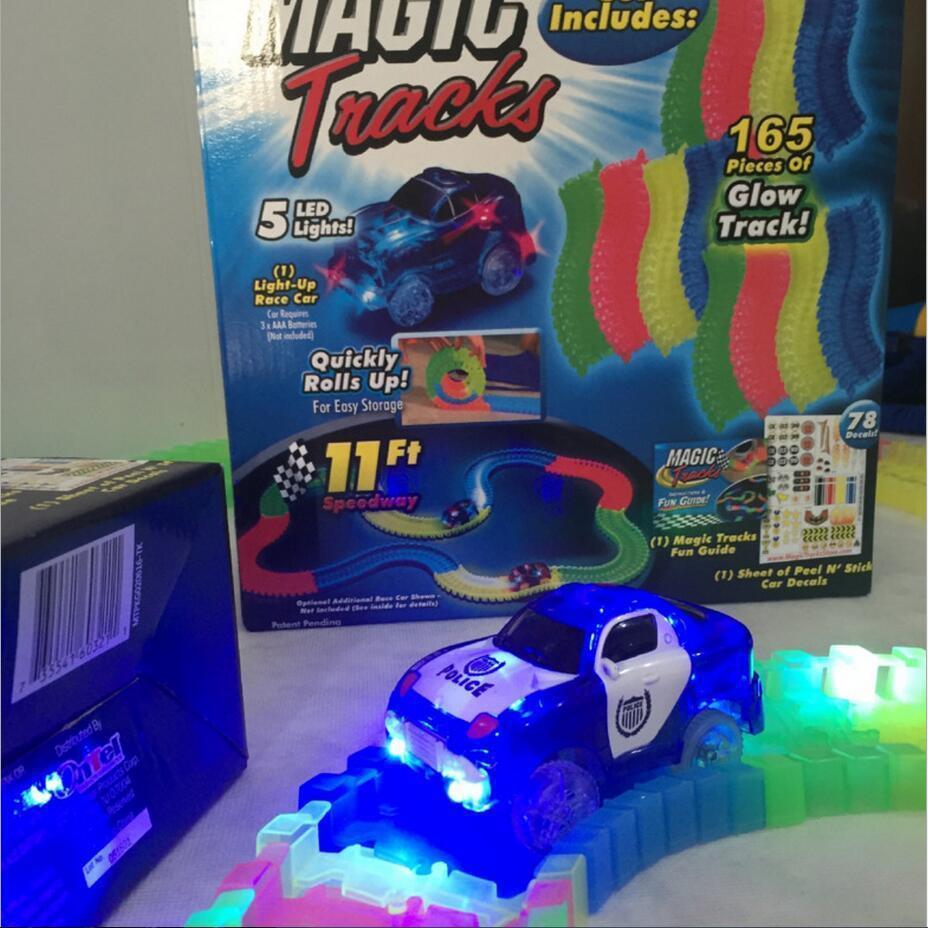 Детский светящийся гибкий трек Magic Tracks 220 деталей - светящаяся дорога с машинкой Меджик Трекс