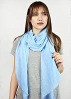 Модный голубой шарф
