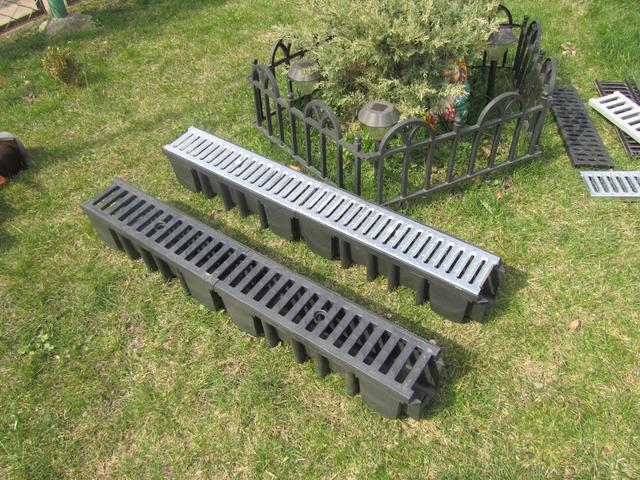 Стальная и пластиковая решетка для водоотводных лотков