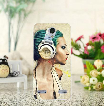 Оригінальний чохол накладка для ZTE Blade A520 з картинкою Дівчина в навушниках